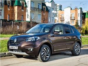 Renault Koleos - renault koleos 2014 вид спереди в городе