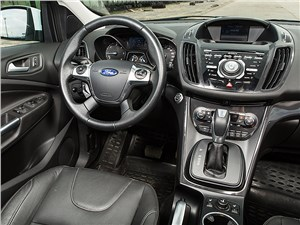 Ford Kuga 2013 водительское место