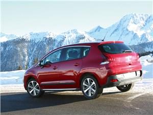В горах кроссовер Peugeot чувствует себя не хуже, чем на равнине