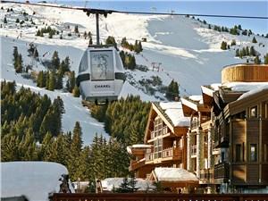 И новички, и опытные лыжники найдут для себя трассы в Куршевеле