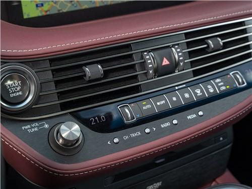 Lexus LS 500 AWD Luxury+ 2018 центральная консоль