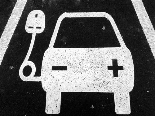 В Австрии планируют выплачивать компенсации новым владельцам электрокаров