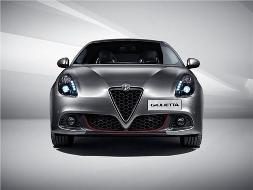 Alfa Romeo приостановила поставки автомобилей в РФ