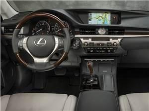 Предпросмотр lexus es 2013 водительское место