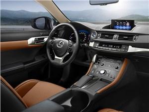 Предпросмотр lexus ct 200h 2014 водительское место