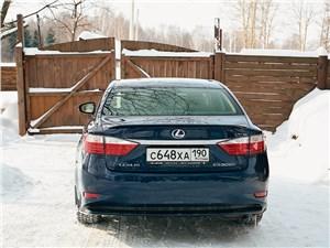Lexus ES 300h 2012 вид сзади