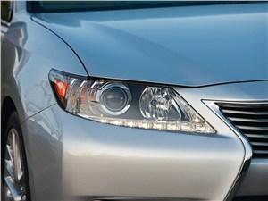 Lexus ES 2013 фара