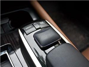Предпросмотр lexus gs450h 2012 джойстик remote touch
