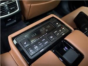 Предпросмотр lexus gs450h 2012 пульт управления мультимедийной системой и климат-контролем