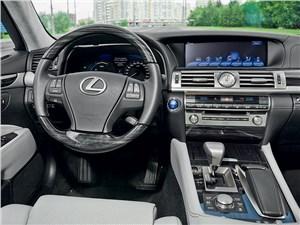 Предпросмотр lexus ls 600h l 2012 водительское место