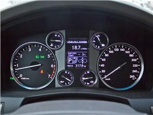 Lexus LX 570 2012 приборная панель