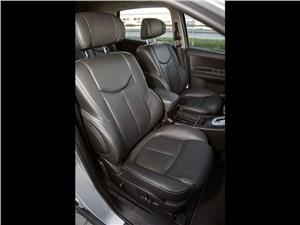 Luxgen 7 SUV 2012 передние кресла