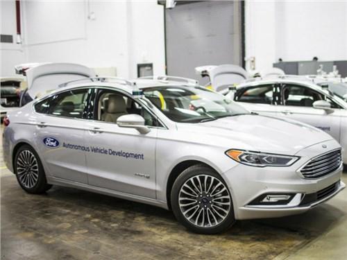 Новость про Ford Fusion - Ford представит собственные «беспилотники» на CES-2017