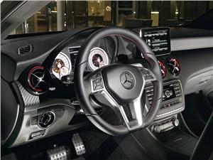 Mercedes-Benz A-Class - Mercedes-Benz А-Klasse 2013 водительское место