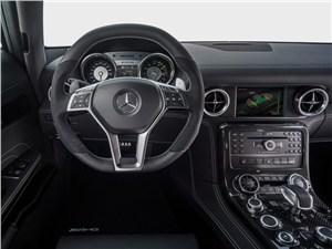 Предпросмотр mercedes-benz sls amg coupe electric drive 2013 водительское место