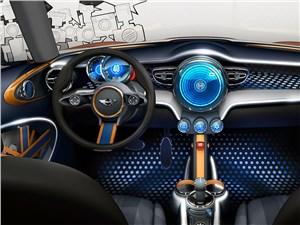 Предпросмотр mini vision концепт 2013 водительское место