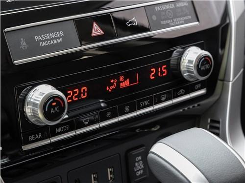Mitsubishi Pajero Sport (2020) управление климатом