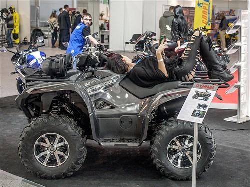 Сама компания Yamaha в очередной раз не нашла ни сил, ни средств для участия в выставке, зато были ее дилеры