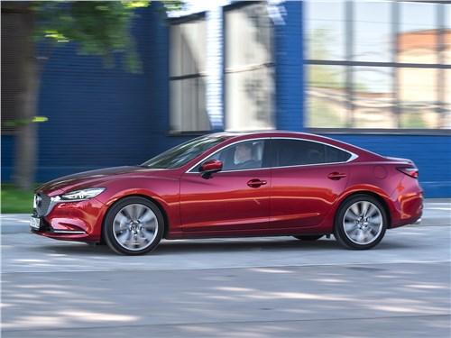 Mazda 6 2018 вид сбоку