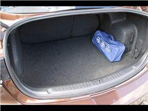 Mazda 3 2011 багажное отделение