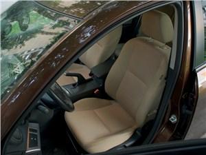 Mazda 3 2011 водительское сиденье