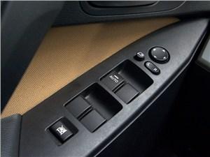 Mazda 3 2011 кнопки управления электроприводами стекол