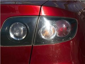 Mazda 3 2006 задний фонарь