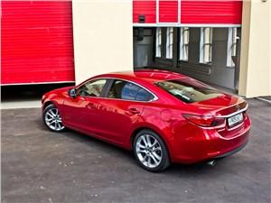 Mazda 6 2013 вид сзади