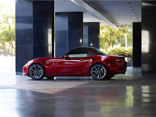Новость про Mazda MX-5 - Mazda обновила родстер MX-5
