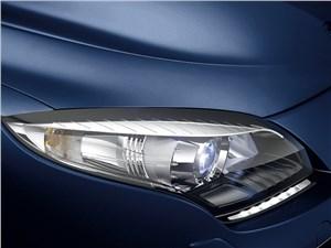 Бестселлеры рынка (Chevrolet Viva, Daewoo Nexia, Ford Focus II, Mazda 3, Mitsubishi Lancer, Nissan Almera, Renault Megane) Megane - Renault Megane 2013 передняя фара