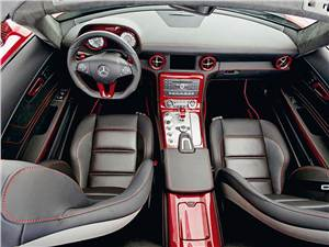 Mercedes-Benz SLS AMG Roadster водительское место