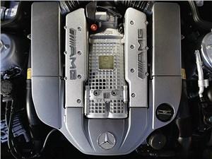 Предпросмотр mercedes-benz sl65 amg 2006 вооружен 604-сильным 6.0-литровым 12-цилиндровым двигателем с двойным турбонаддувом