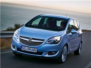 Opel Meriva - opel meriva 2013 вид спереди у моря