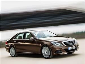 Mercedes-Benz E-Class - Mercedes-Benz E-Klasse 2013 вид сбоку
