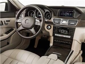 Mercedes-Benz E-Class - Mercedes-Benz E-Klasse 2013 водительское место