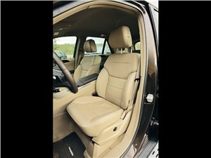 Предпросмотр mercedes-benz ml 350 cdi 4matic 2012 передние кресла