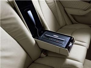 Предпросмотр mercedes-benz s-klasse 2004 задний диван