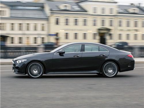 Mercedes-Benz CLS 2019 вид сбоку