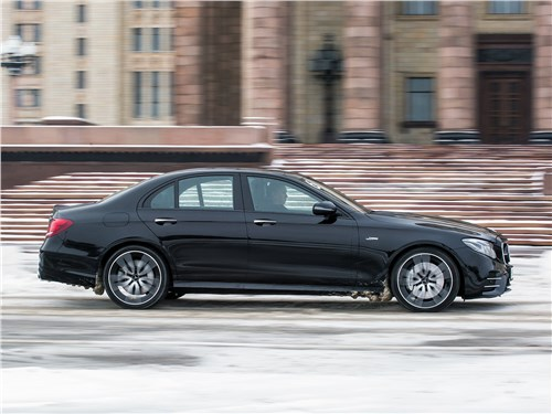 Mercedes-Benz E53 AMG 2019 вид сбоку