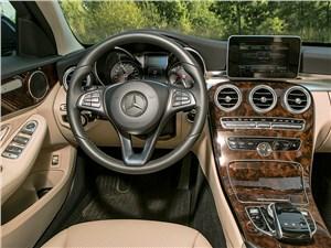 Mercedes-Benz С-klasse 2014 водительское место