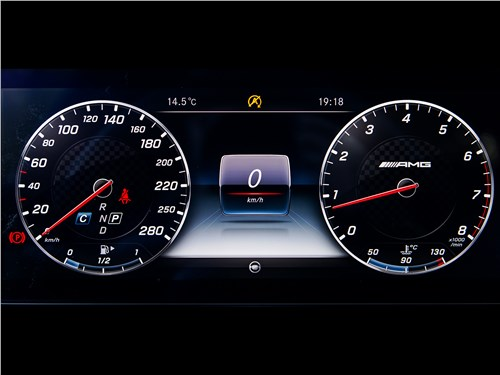 Mercedes-AMG E 43 4Matic 2017 приборная панель