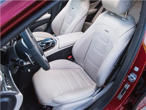 Mercedes-AMG E 43 4Matic 2017 передние кресла