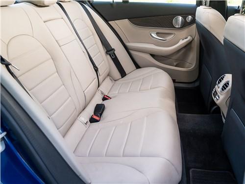 Mercedes-Benz C 300 2019 задний диван