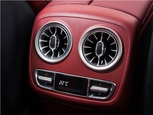 Mercedes-Benz CLS 2019 климатическая система для задних седоков
