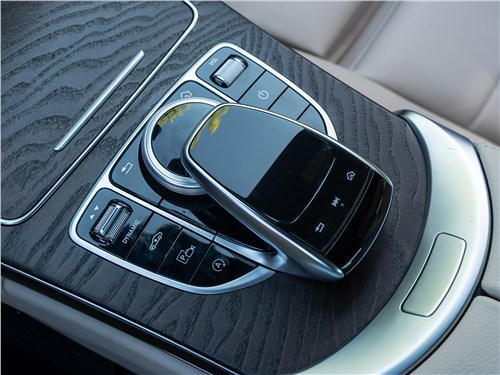 Mercedes-Benz C 300 2019 джойстик и тачпад