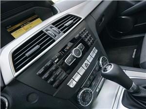 Предпросмотр mercedes-benz c-klasse 2012 консоль управления