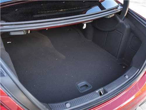 Mercedes-AMG E 43 4Matic 2017 багажное отделение