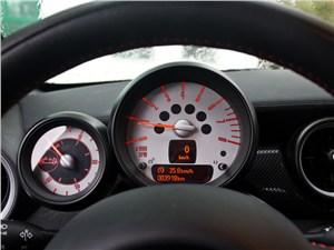 Предпросмотр mini cooper s roadster 2012 приборная панель