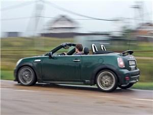 MINI Cooper S Roadster 2012 вид сбоку
