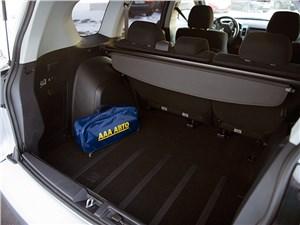 Mitsubishi Outlander XL 2007 багажное отделение